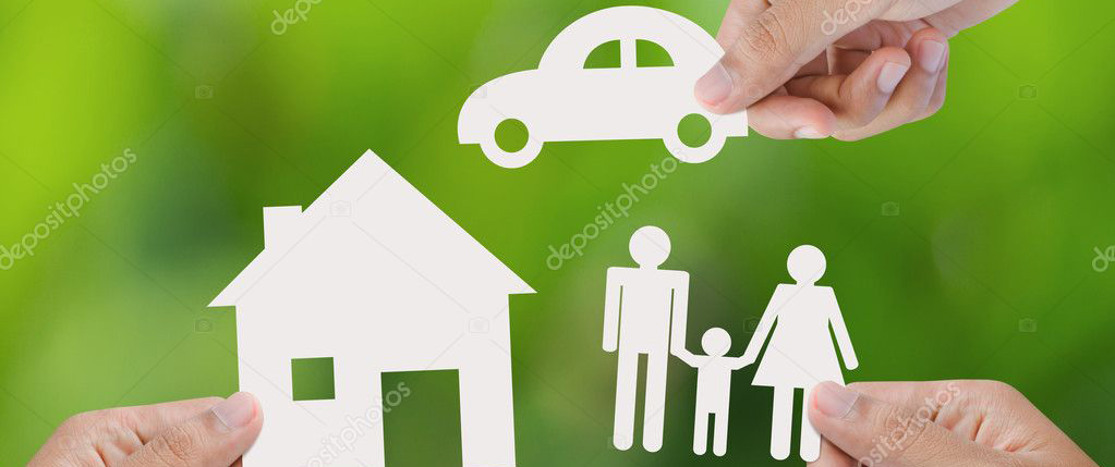 ubezpie_depositphotos_42395795-stock-photo-hand-holding-a-paper-home